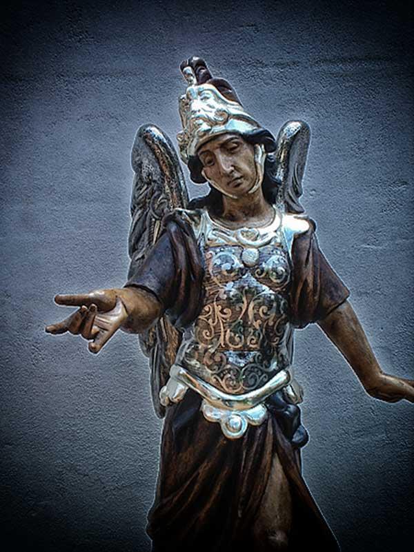 arcangeles-rafael-miguel-gabriel-y-uriel-de-la-hermandad-de-la-santa-vera-cruz-de-andujar-en-jaen-3